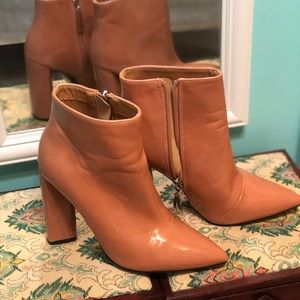 Pointed booties!